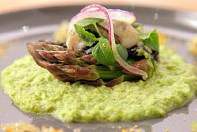 Crémeux d'asperges vertes aux huitres et wasabi