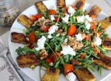Salade de roquette, tofu au curry et cottage cheese