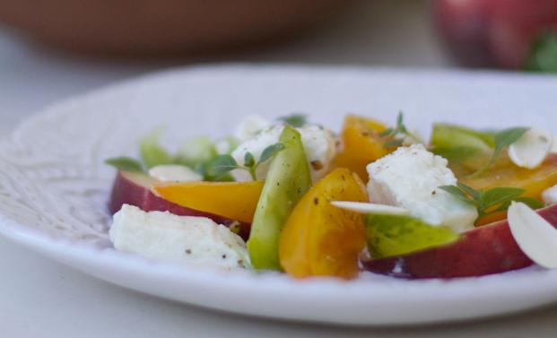 Recette de la salade d'été aux amandes fraîches