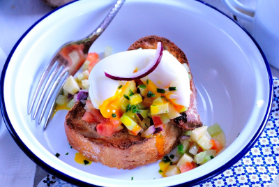 Tartare façon salade tunisienne et oeuf mollet