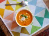 Soupe à la carotte, tomate et coco